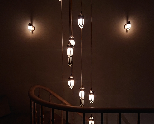 Luminaire suspendu pour cage d'escalier